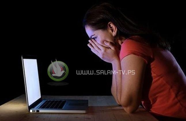 """الشرطة تلقي القبض على مواطنة بتهمة التهديد و التشهير والابتزاز عبر """"الفيس بوك"""" في قلقيلية"""