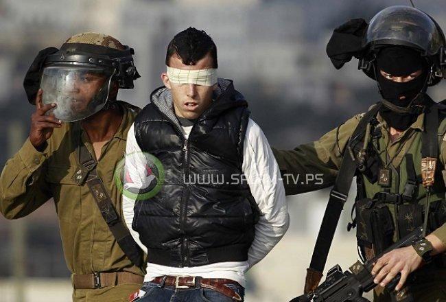الاحتلال يعتقل 4 مواطنين بينهم صحفي في الخليل