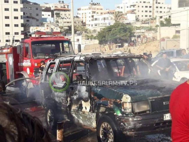 مواطن يحرق مركبته غرب غزة أثر خلاف مع شرطة المرور