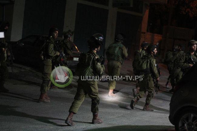 الاحتلال يعتقل 3 مواطنين من علار بطولكرم
