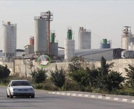 """""""مصانع الموت"""" تهدد حياة المواطنين غرب طولكرم"""