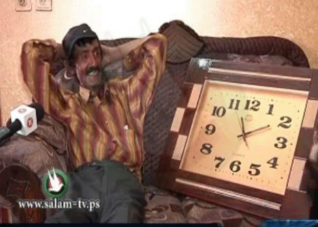 شاهد التقرير: في arab got talent يوجد ابو الحروف ولكن في طولكرم - كفا يوجد ابو الساعات