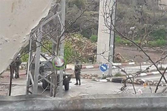 لليوم الـ4- الاحتلال يواصل اغلاق مدخل ديراستيا