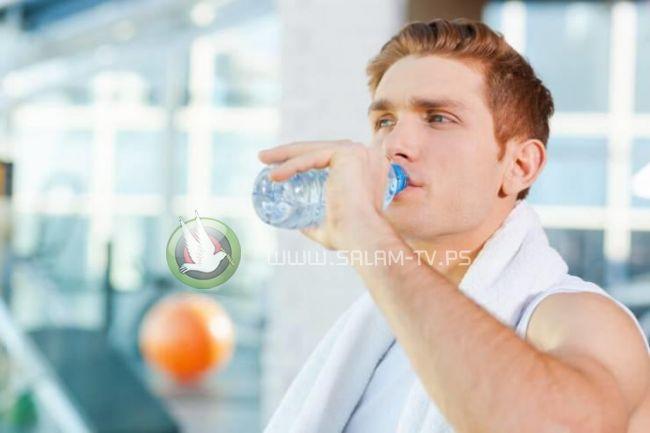 دراسة يابانية ...هكذا تخسر الكثير من الوزن بشرب المياه