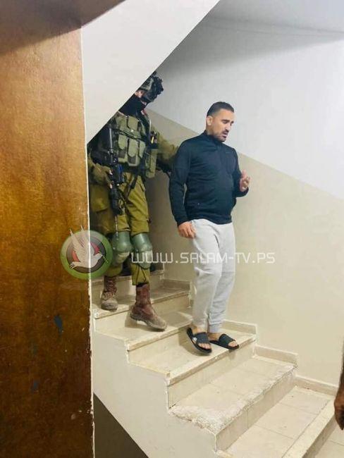 الاحتلال يعتقل أسيرا محررا شرق طولكرم
