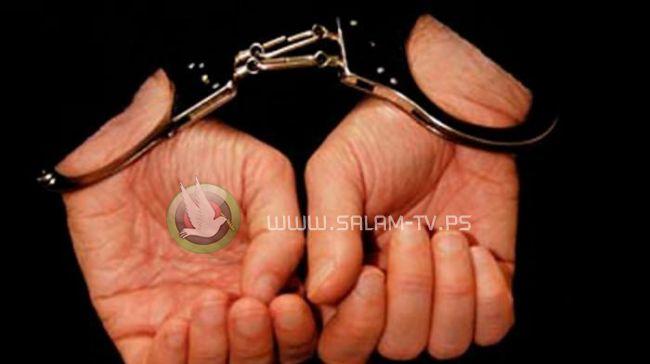 الشرطة تقبض على شخص قام بسرقة عدد من المؤسسات والمنازل في طولكرم