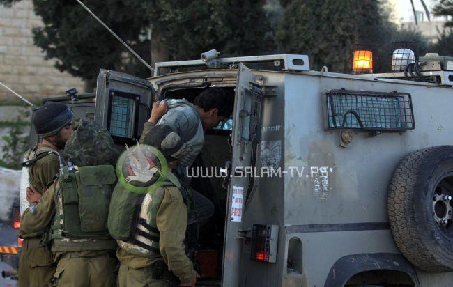 الاحتلال يعتقل مواطنا شرق طولكرم