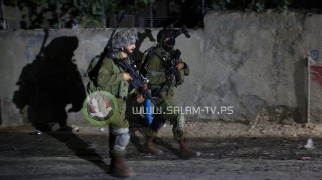 قوات الاحتلال تعتقل مواطنا من مخيم نور شمس