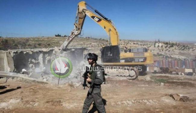 الاحتلال يهدم منزلا وغرفتين زراعيتين شمال غرب بيت لحم