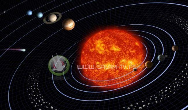 ثلاثة كواكب تقترب من القمر في سماء قطر