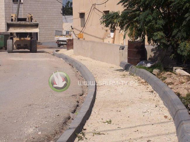 بلدية طولكرم تباشر بإنشاء أرصفة في ضاحية كفا