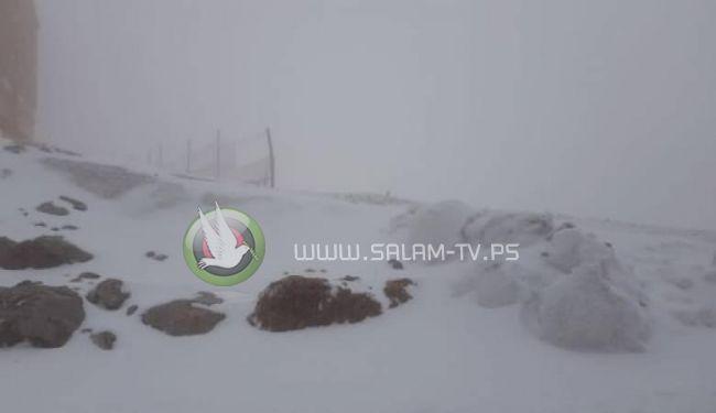 الثلوج تكسوا جبل الشيخ في منتصف الربيع