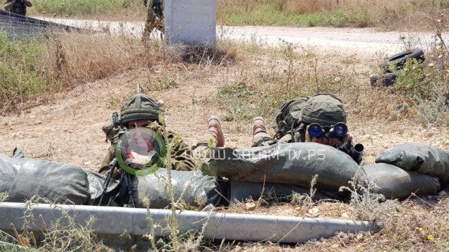 الاحتلال يعتقل أربعة شبان عند حدود غزة